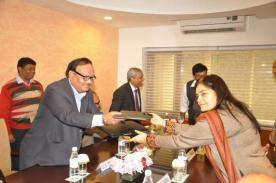 MoU-Signing-with-IGNOU